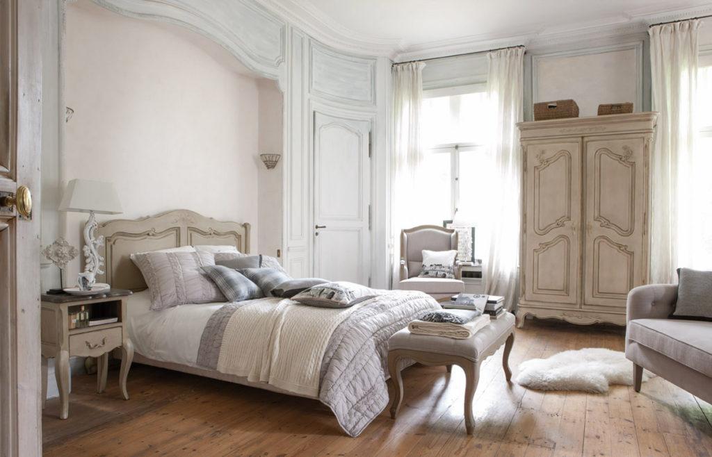 Château-et-dependances_ambiance-chambre_01-04353-01529