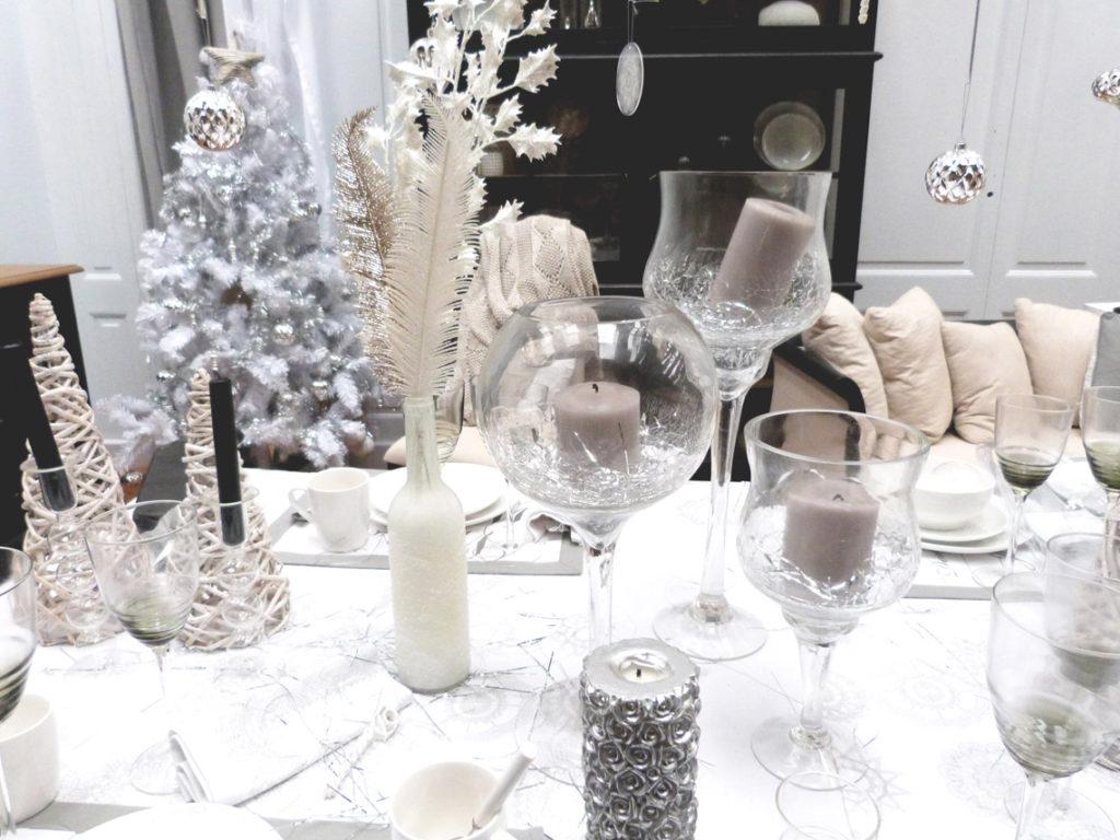 Une décoration maison de Noël : vases blancs Interior's