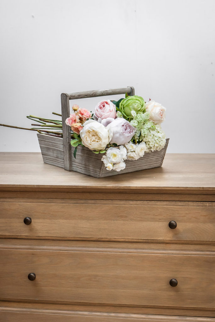 Pivoines et roses artificielles par Interior's