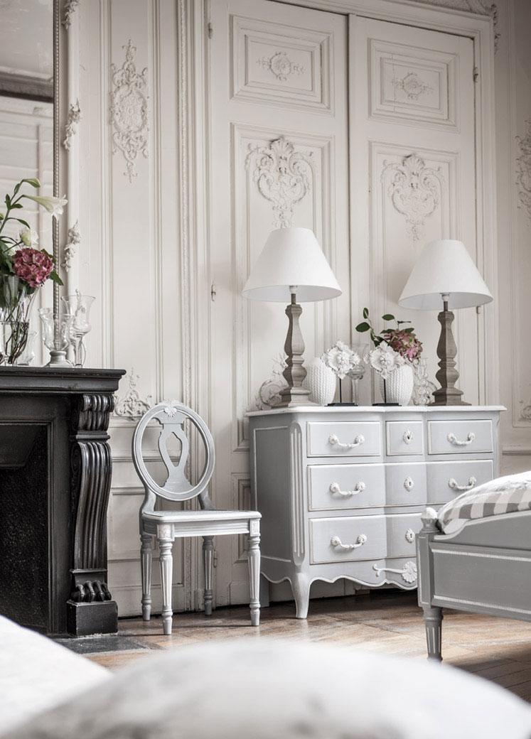 Quelle chaise pour quel style le blog d 39 interior 39 s for Chambre style gustavien