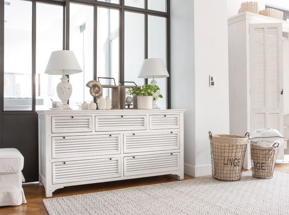 Commode en bois blanche Vénitiennes par Interior's