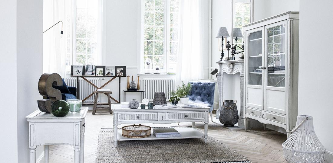 ambiance salon style Directoire table basse console et armoire en bois blanc