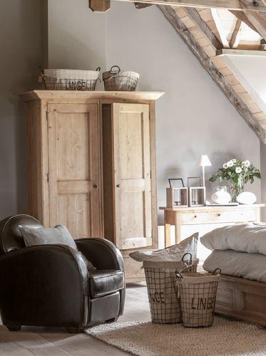 Interior 39 s meubles bois massif d coration salon chambre bureau sa - Soldes interiors meubles ...