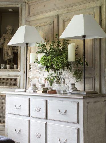 d coration romantique linge de maison luminaires arts de la table interior 39 s meubles. Black Bedroom Furniture Sets. Home Design Ideas