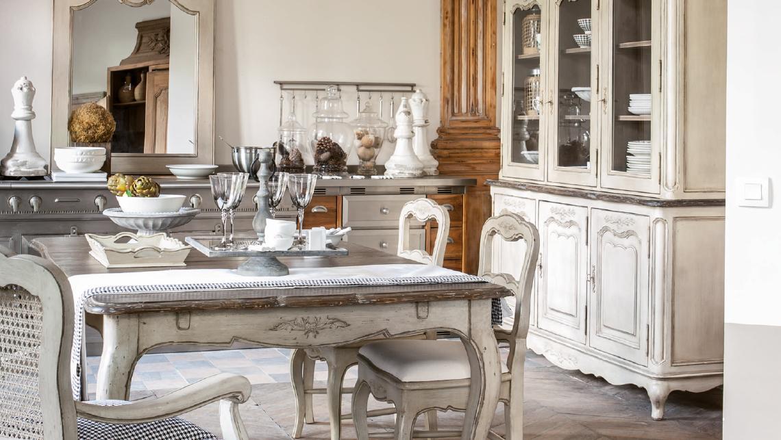 Ch teau d pendances collections interior 39 s meubles for Salle a manger de charme