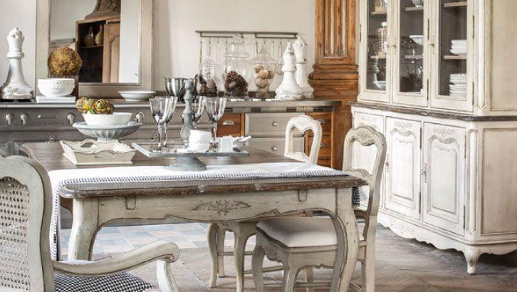 Meuble baroque interior39s meubles de style baroque chateau for Salle À manger contemporaineavec lit meuble