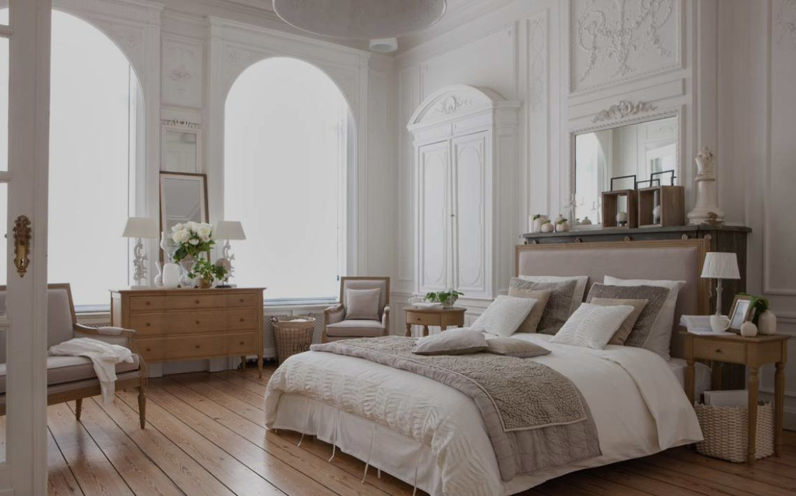meubles style classique chic collection domaine interior 39 s. Black Bedroom Furniture Sets. Home Design Ideas