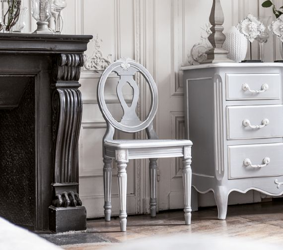 meubles style classique chic collection gustavien interior 39 s. Black Bedroom Furniture Sets. Home Design Ideas