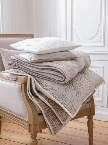 best slection linge de maison with liste maison. Black Bedroom Furniture Sets. Home Design Ideas