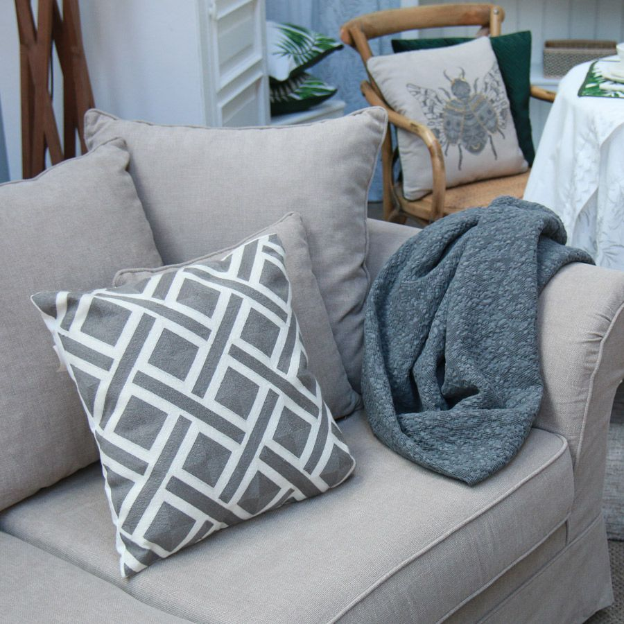 plaid en coton 130x180 gris interior 39 s. Black Bedroom Furniture Sets. Home Design Ideas