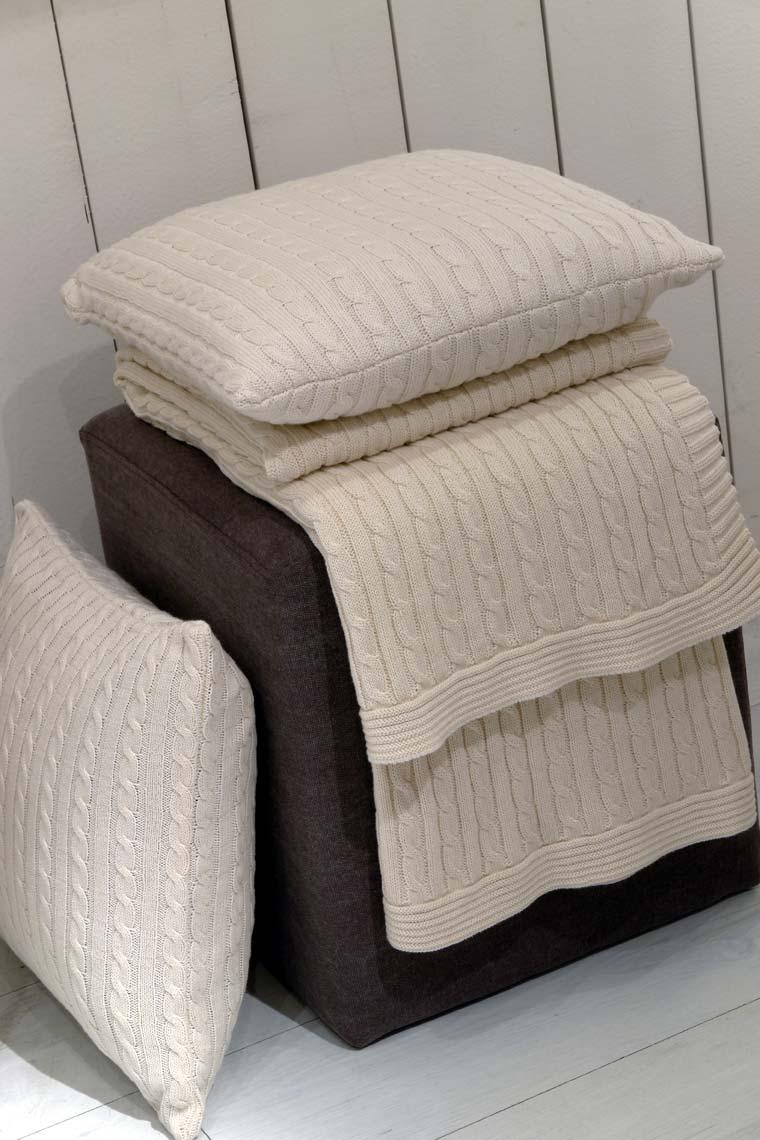 plaid en coton 130x170 beige interior 39 s. Black Bedroom Furniture Sets. Home Design Ideas