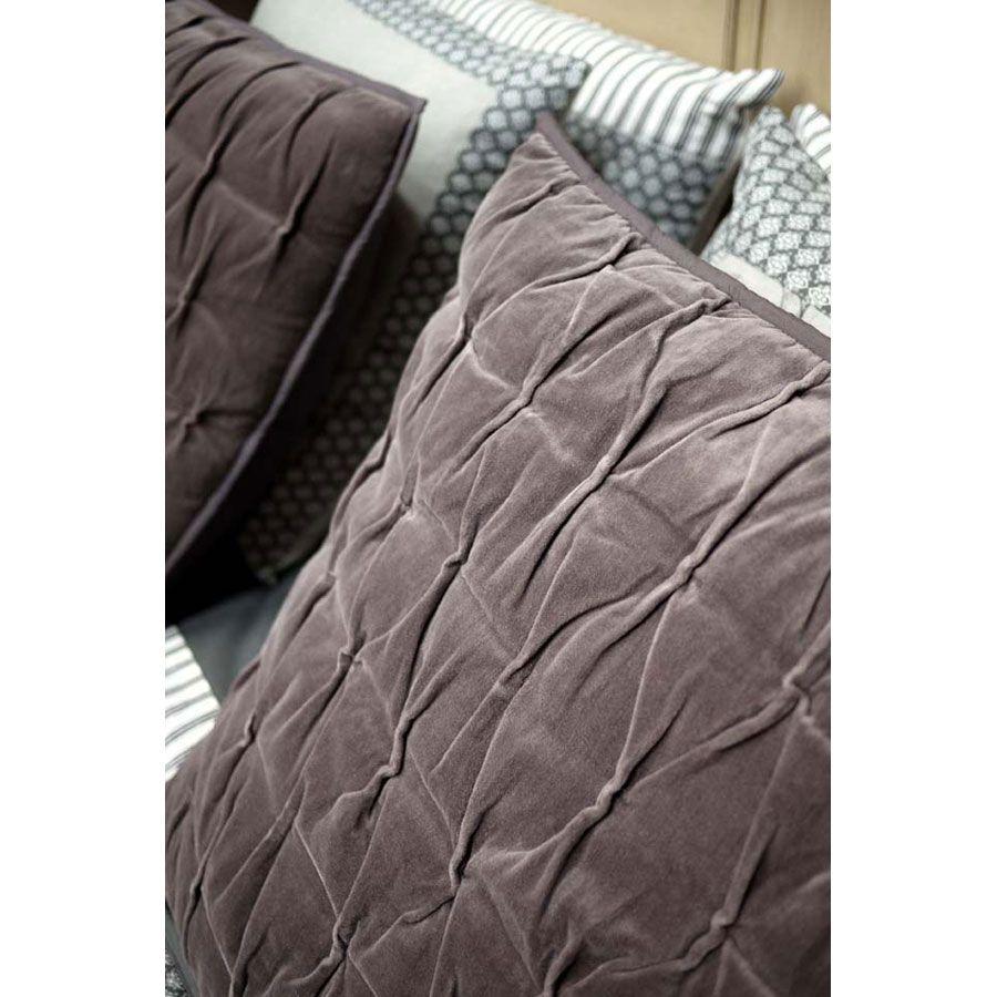 housse de coussin en coton 60x60 marron interior 39 s. Black Bedroom Furniture Sets. Home Design Ideas