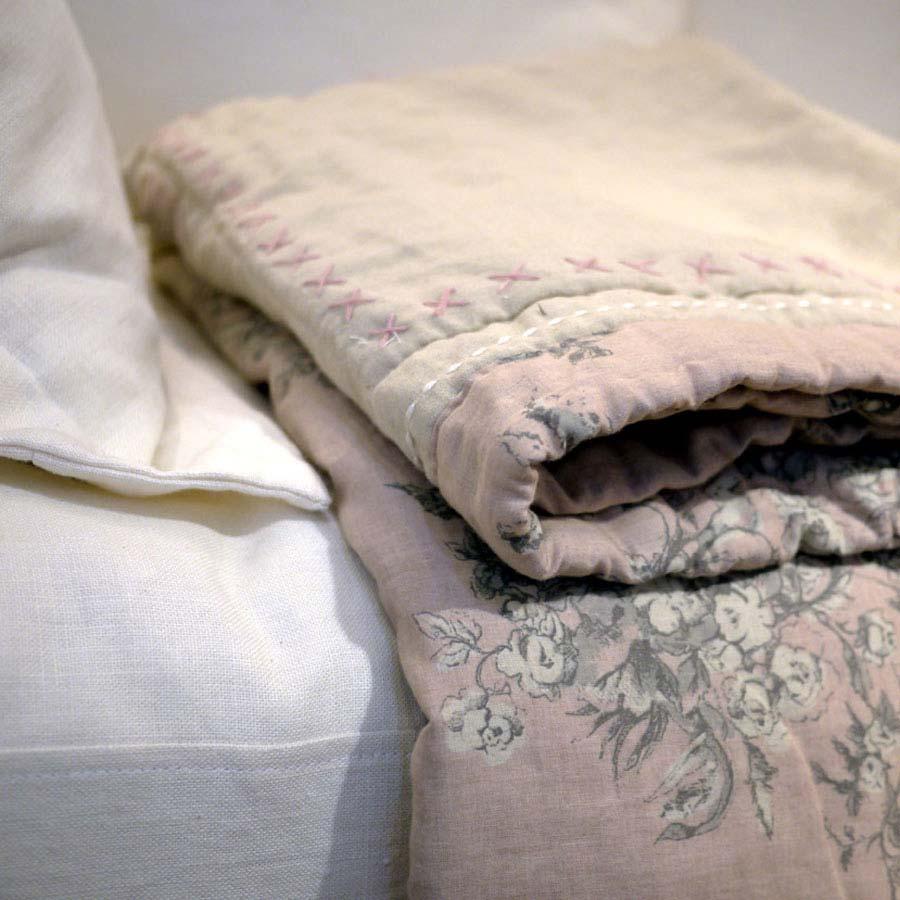 boutis en coton 220x240 autre interior 39 s. Black Bedroom Furniture Sets. Home Design Ideas