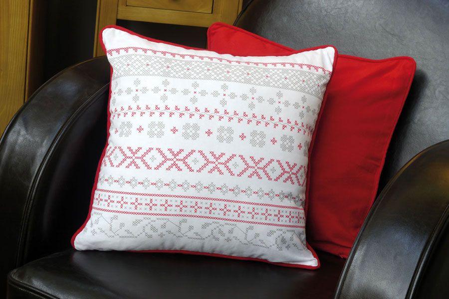 housse de coussin en coton 40x40 rouge interior 39 s. Black Bedroom Furniture Sets. Home Design Ideas
