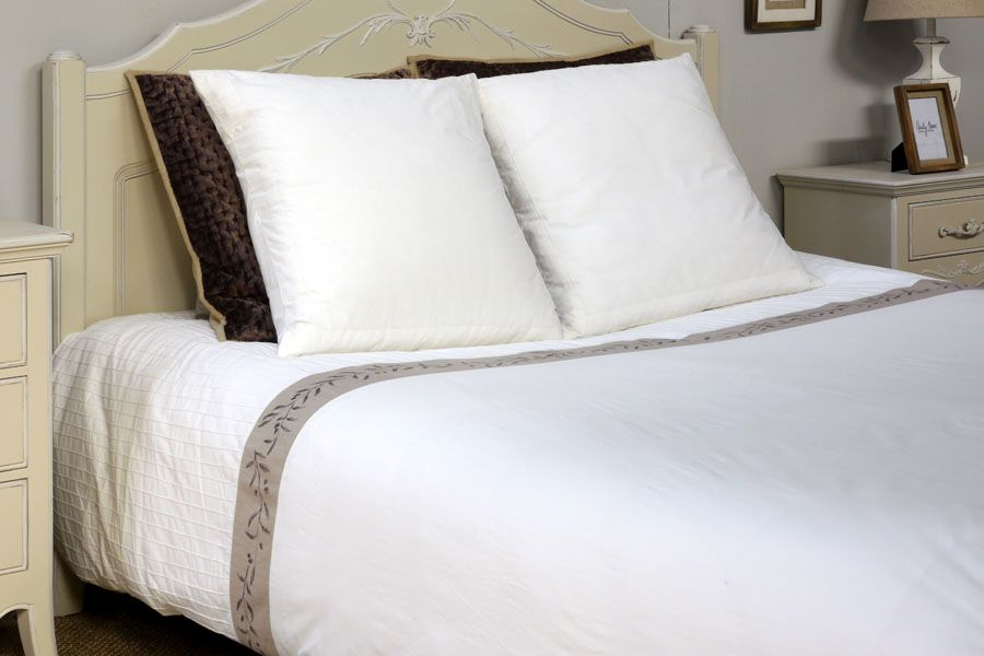 Housse de couette en coton 220x240 blanc interior 39 s for Housse de couette 220x240 coton