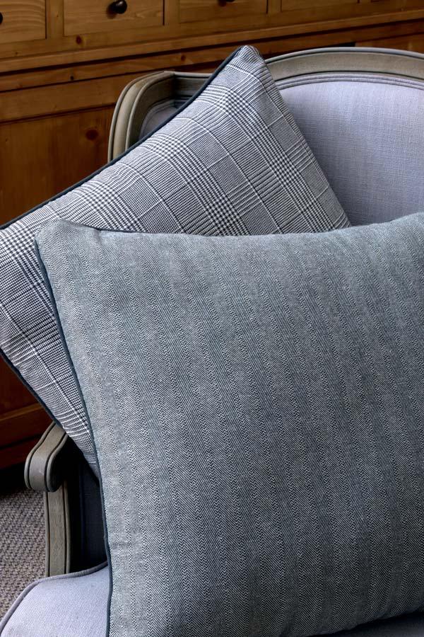 housse de coussin en coton et lin 60x60 gris interior 39 s. Black Bedroom Furniture Sets. Home Design Ideas