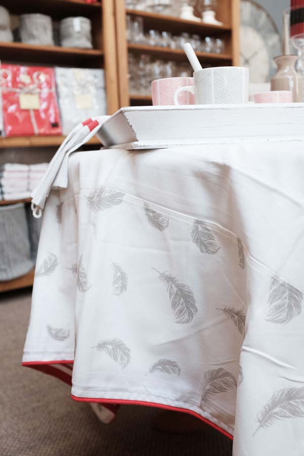nappe en coton 260x160 blanc interior 39 s. Black Bedroom Furniture Sets. Home Design Ideas