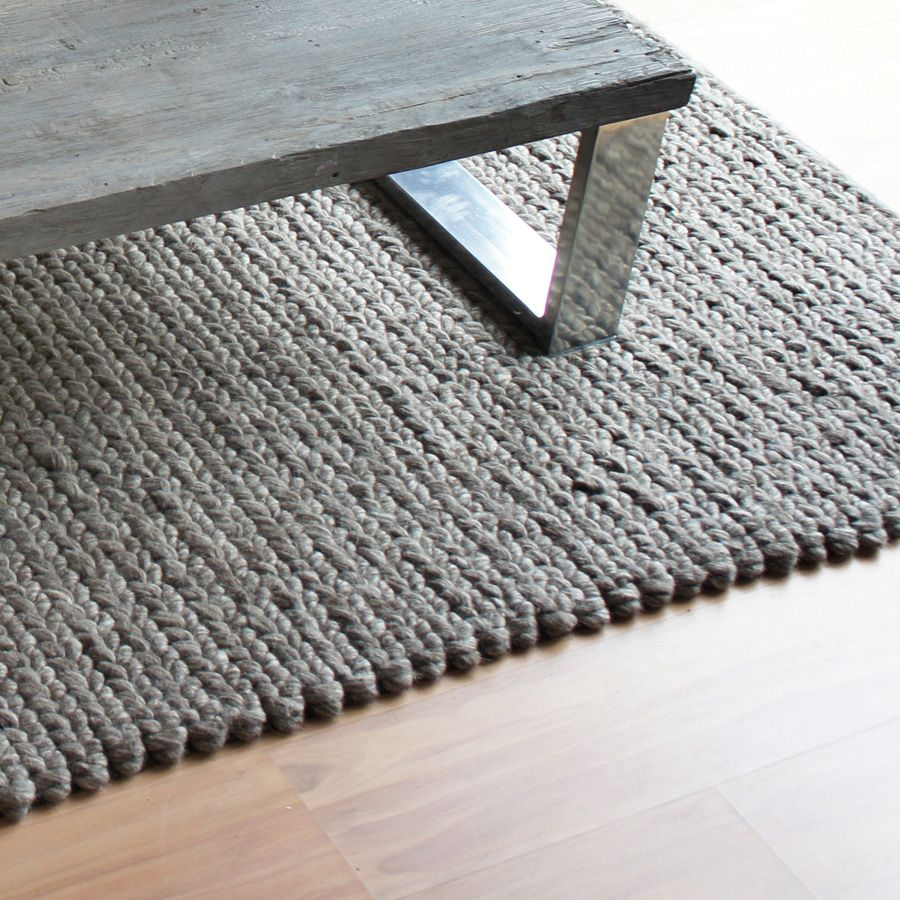 tapis l on 200x300 gris interior 39 s. Black Bedroom Furniture Sets. Home Design Ideas