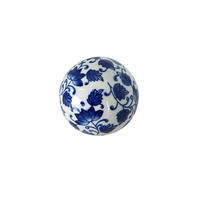 Boule décorative en porcelaine