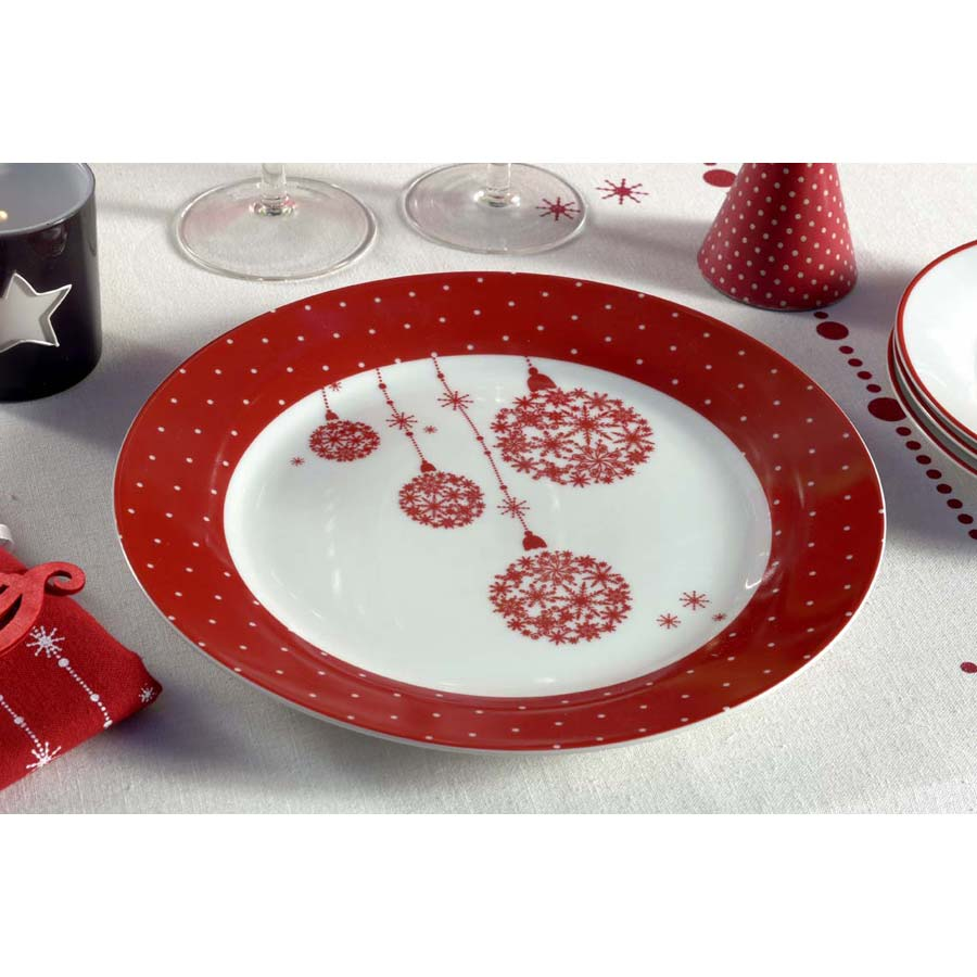 assiette plate en porcelaine rouge interior 39 s. Black Bedroom Furniture Sets. Home Design Ideas